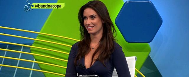 Terceiro Tempo: Milton Neves Conheceu 'nova Renata Fan De Roupão'. E Achou