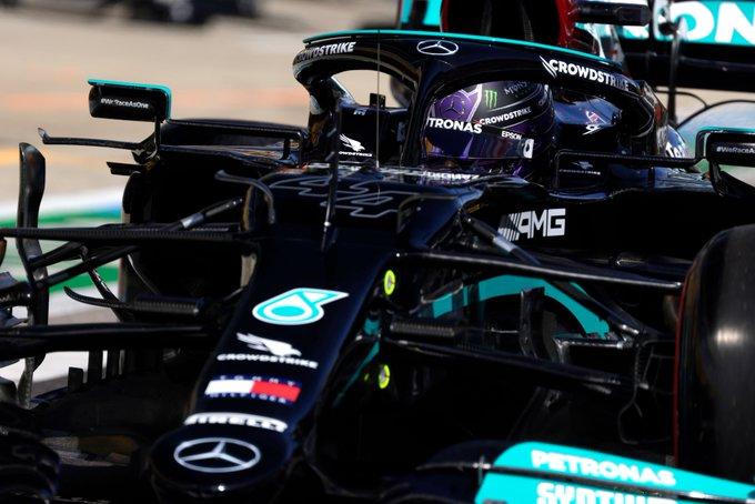 Britânico retoma a liderança do campeonato. Foto: Mercedes-AMG Petronas F1