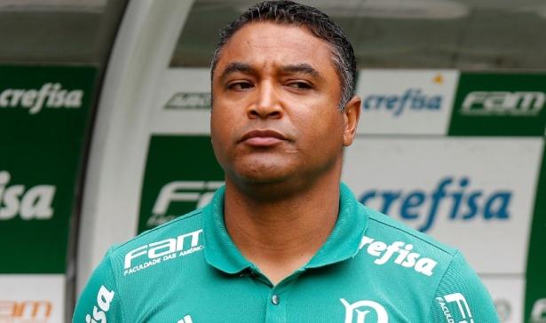 Palmeiras abre 2 a 0 mas empata com o lanterna.