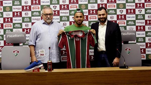 Wellington Nem é apresentado no Fluminense: cria da casa de volta. Foto: Mailson Santana/Fluminense/Via UOL