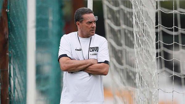 Técnico Vanderlei Luxemburgo já definiu um padrão para a equipe após quase dois meses. Foto: Rafael Ribeiro/Vasco/Via UOL