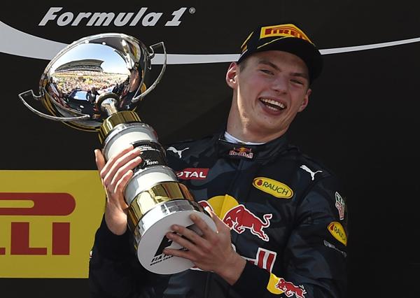 Piloto holandês entrou para a história como o mais jovem a vencer na categoria. Foto: Divulgação