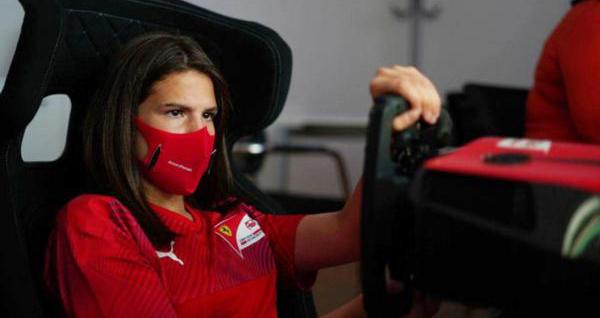 Pilota de 15 anos estará neste mês em Paul Ricard, na França. Foto: FIA/Divulgação