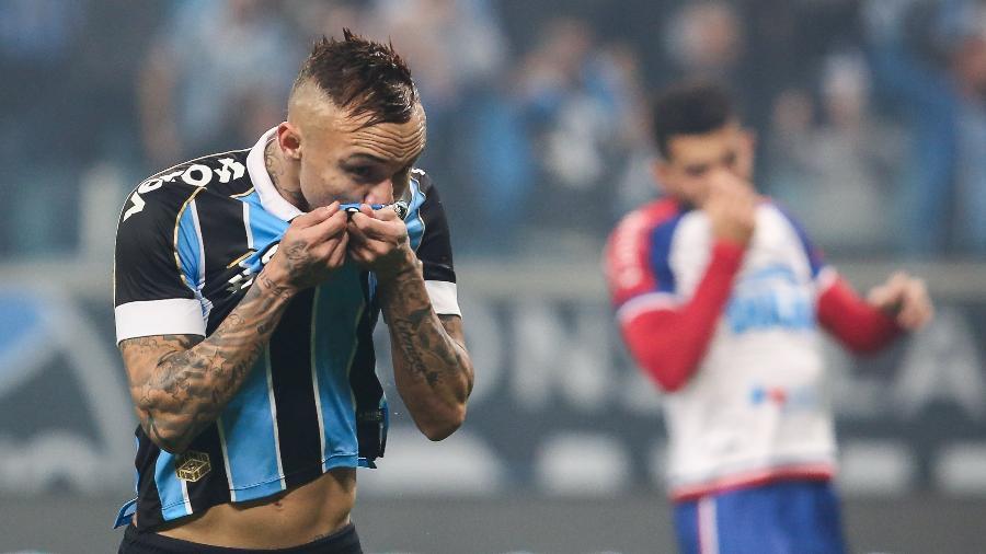 Éverton não esteve presente no treinamento do Grêmio na tarde de hoje