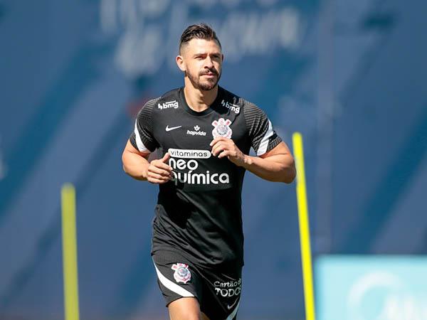 Meia corintiano disse achar injustas as críticas ao treinador. Foto: Rodrigo Coca/Ag Corinthians