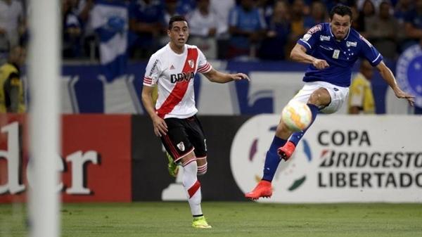 River Plate e Cruzeiro começam a decidir hoje uma vaga para as quartas da Libertadores. Foto: REUTERS/Ueslei Marcelino/Via UOL