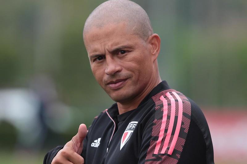 Treinador da equipe sub-20 do São Paulo destacou a felicidade com a nova carreira. Foto: Rubens Chiri/saopaulofc.net