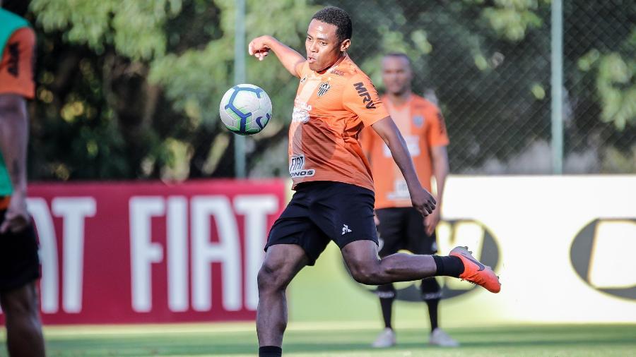 Elias, volante do Atlético-MG, fala sobre possível renovação contratual