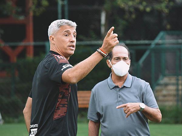 Coordenador de futebol do Tricolor disse não cogitar Antonio Oliveira no clube. Foto: Erico Leonan/saopaulofc.net