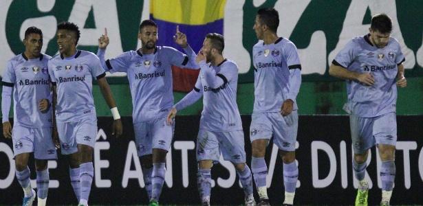 Com 12 pontos, a equipe comandada por Renato Gaúcho assumiu a vice-liderança do torneio