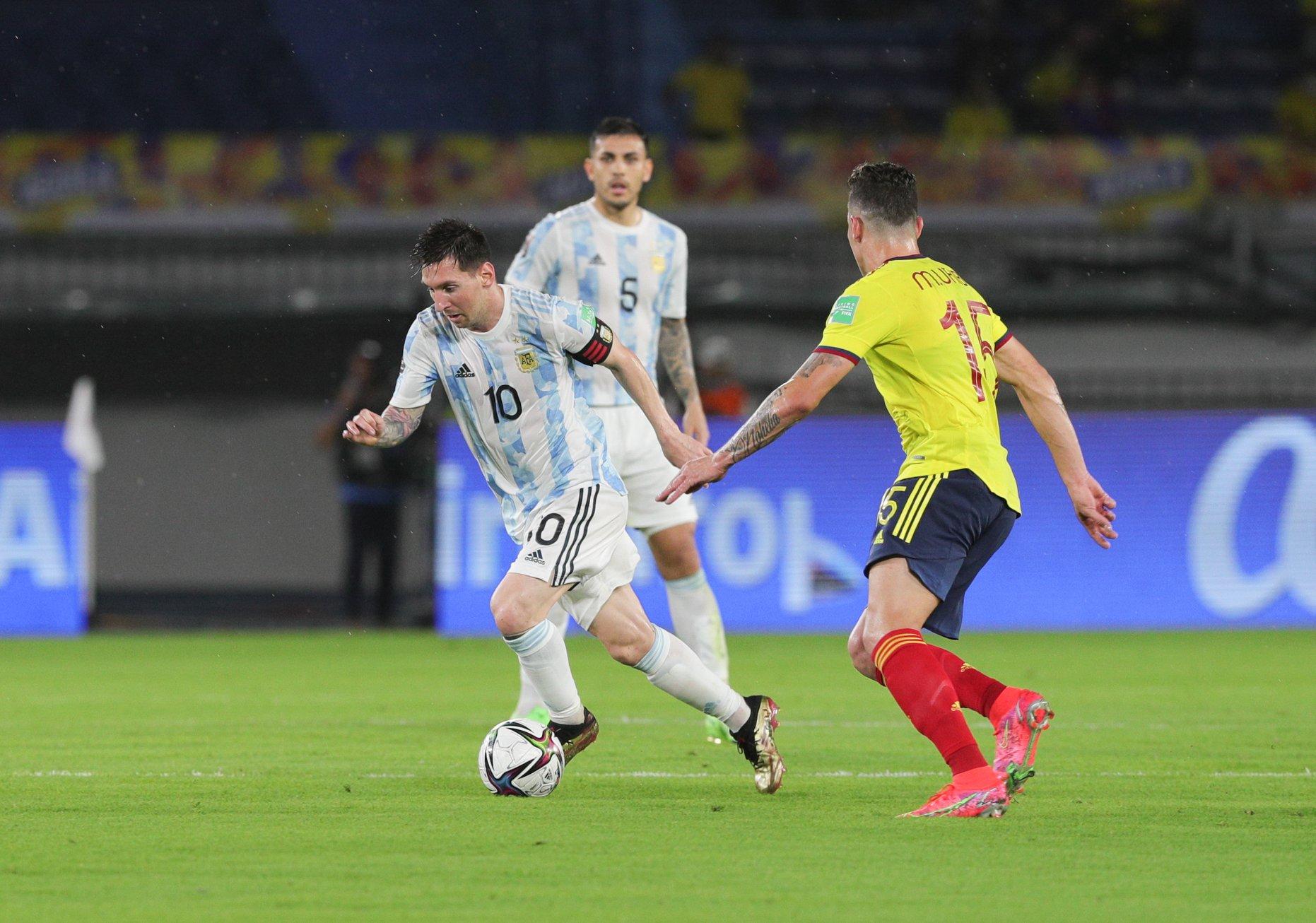 Craque argentino aponto Neymar e Mbappé como candidatos para levar a Bola de Ouro. Foto: Facebook/Reprodução