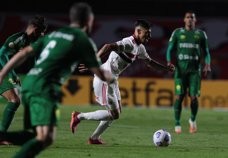 No primeiro turno, as duas equipes empataram em 2 a 2 no Morumbi. Foto: Rubens Chiri/saopaulofc.net
