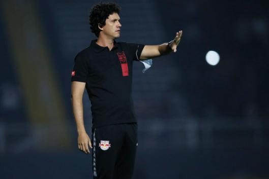Mauricio Barbieri comanda a equipe de Bragança. Foto: Ari Ferreira/Red Bull Bragantino