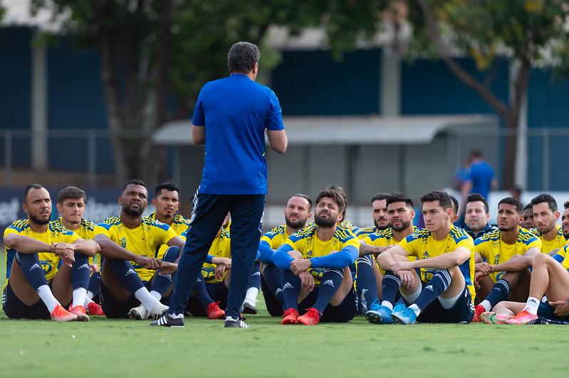 Atletas do elenco cruzeirense vem convivendo com a falta de pagamentos no clube. Foto: Bruno Haddad/Cruzeiro