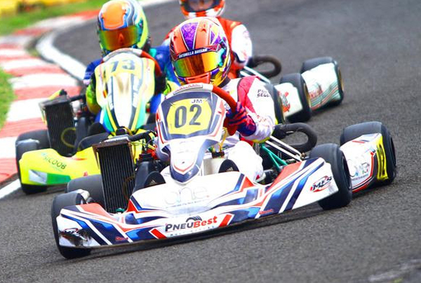 Pilota de 15 anos foi top-5 nos eventos de Rotax e Endurance e já está na Europa. Foto: Cris Reis/PlanetKart Images/Divulgação