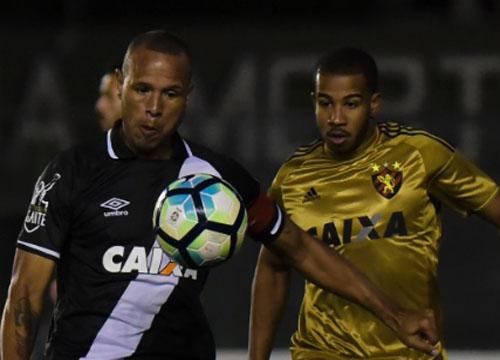 Torcedor vascaíno pediu Nenê no time, Milton Mendes acatou e o Vasco venceu por 2 x 1, com Luis Fabiano marcando de cabeça