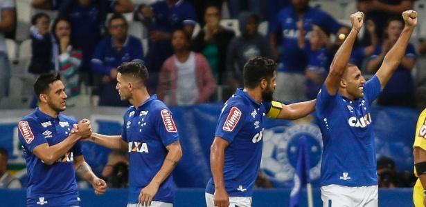 Os dois gols da partida foram marcados por Ramón Ábila