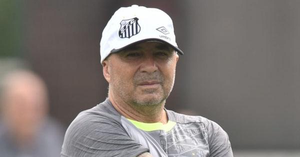 Sampaoli conduz equipe ao primeiro lugar. Foto: Ivan Storti/SantosFC/Via UOL