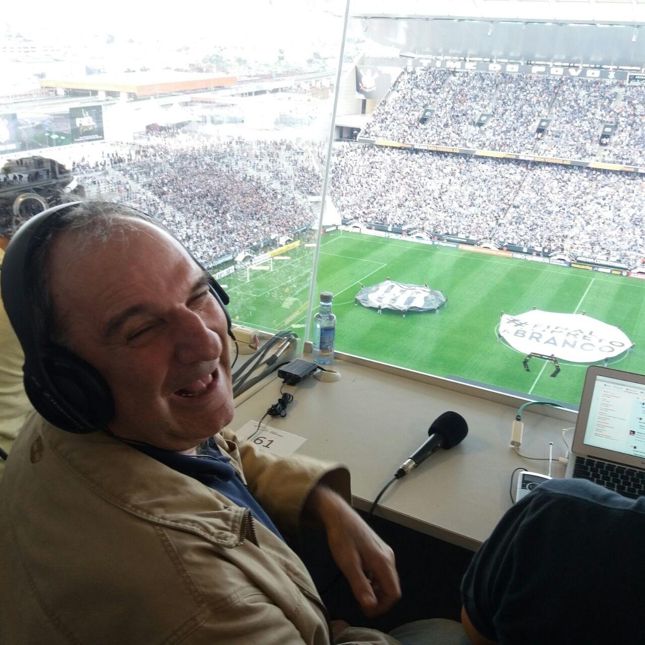 Um dos maiores narradores de todos os tempos fez aniversário neste domingo; aqui deixo minha homenagem. Foto: Diego Salgado/UOL Esporte