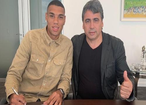 Ruan Tressoldi, zagueiro de 20 anos, assinou até 2022. (Foto: Divulgação)