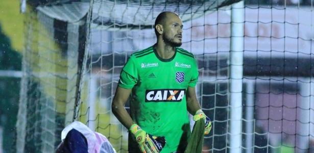 Fábio falhou em gol sofrido pelo Figueirense e abandou a partida no intervalo