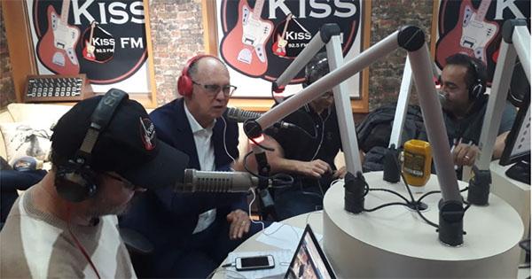 Treinador participou do Na Geral, na Rádio Kiss FM, de São Paulo. Foto: Ricardo Mituti