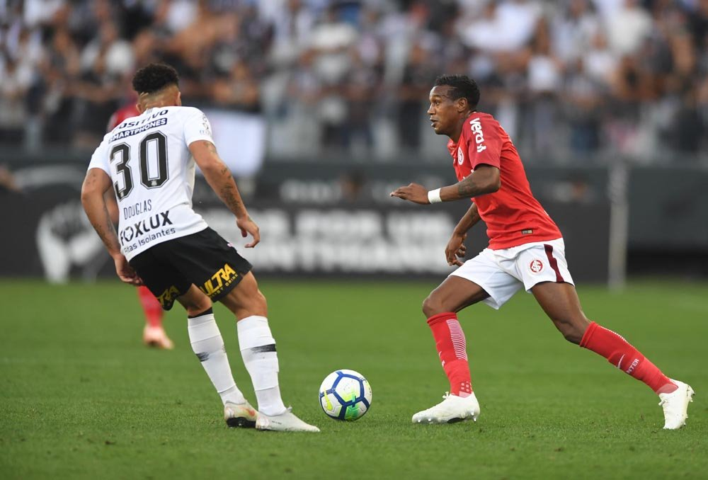 Suspenso, Edenilson desfalca a equipe colorada em Porto Alegre. Foto: site oficial do Inter