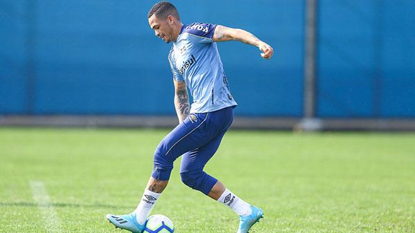 Luciano pode estrear com a camisa do Grêmio. Foto:  LUCAS UEBEL/GREMIO FBPA