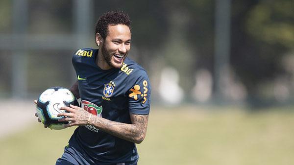 Neymar treina com a seleção na fase de preparação para a Copa América. Foto: Lucas Figueiredo/CBF