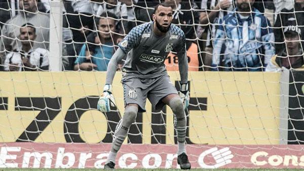 Goleiro virou titular absoluto do gol santista. Foto: Ivan Storti/Santos FC