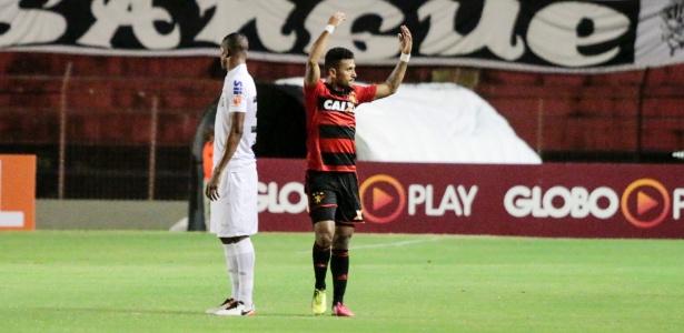 Rogério marcou 21 gols com a camisa do Sport