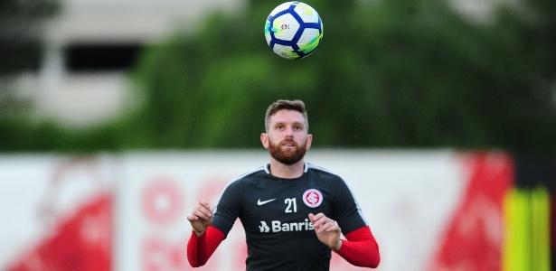 Fabiano é motivo de negociação entre Internacional e Palmeiras e pode ser comprado