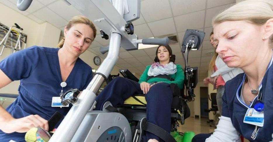 O Comitê Olímpico Brasileiro lançou neste domingo uma campanha na internet para ajudar a financiar o tratamento da atleta