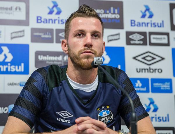 Golaço do meia garantiu a vitória palmeirense em Porto Alegre. Foto: Lucas Uebel/Grêmio