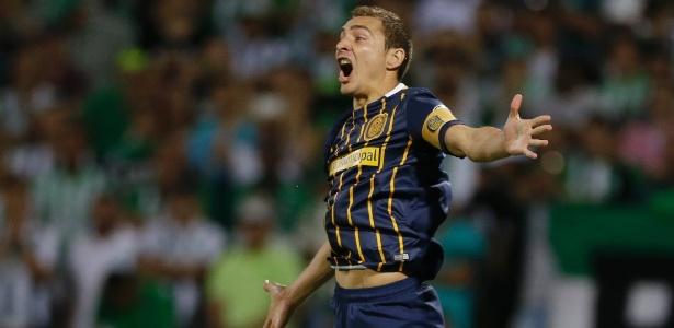 Marco Rúben era capitão do Rosário Central e agora reforça o Furacão na Libertadores. Foto: Ricardo Mazalan/AP/Via UOL
