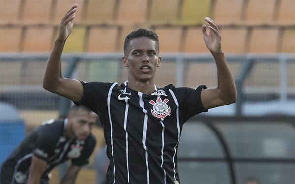 Pedrinho, destaque dos últimos jogos do Timão, enfrenta o Flu, nesta quarta. Foto: Daniel Augusto Jr/Agência Corinthians