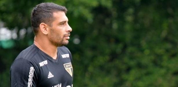 Diego Souza descarta a possibilidade de deixar o São Paulo para defender o Vasco