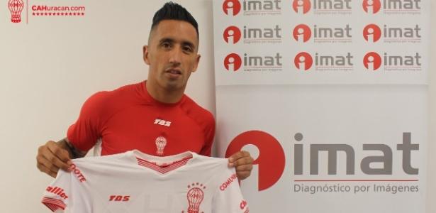 O clube argentino informou que o jogador realizou exames médicos antes de assinar contrato