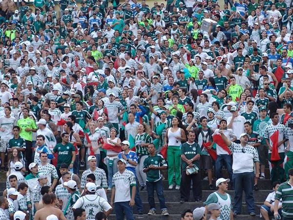 Torcida do Palmeiras no antigo Palestra Itália. Foto: Marcos Júnior Micheletti/Portal TT