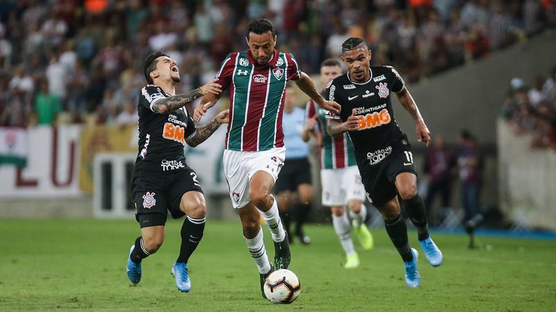 No sufoco, o Corinthians conseguiu eliminar o Fluminense. Foto: LUCAS MERÇON/FLUMINENSE F.C.