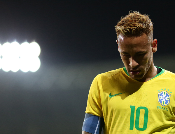 O Barcelona ainda não conseguiu cumprir as exigências do PSG para contratar Neymar. Foto: CBF