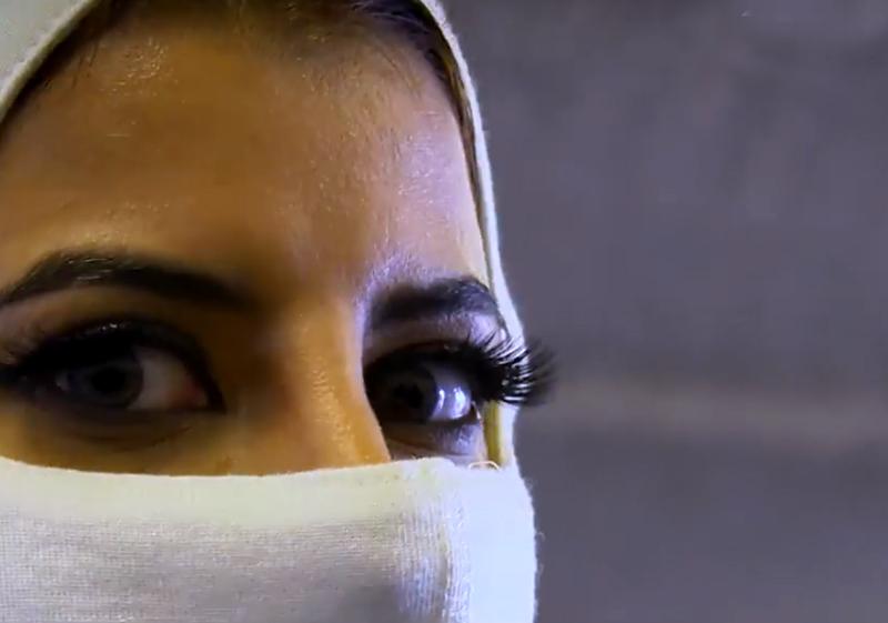 A árabe pilotou um F1 dias depois de seu país permitir que mulheres guiem automóveis. Foto: Reprodução
