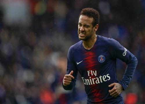 De acordo com um jornal francês, o brasileiro deve ficar no PSG. (Foto: AFP)