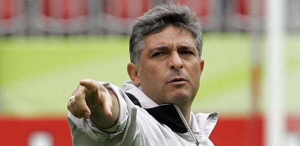 Marcos Paquetá fechou com o Botafogo e substituirá Alberto Valentim