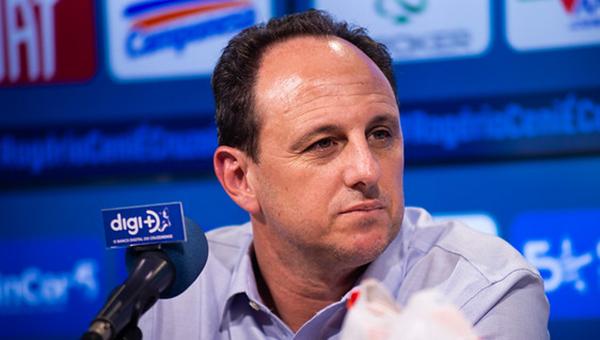 Ceni tenta chegar a uma decisão de torneio nacional com o Cruzeiro. Foto: Bruno Haddad/Cruzeiro