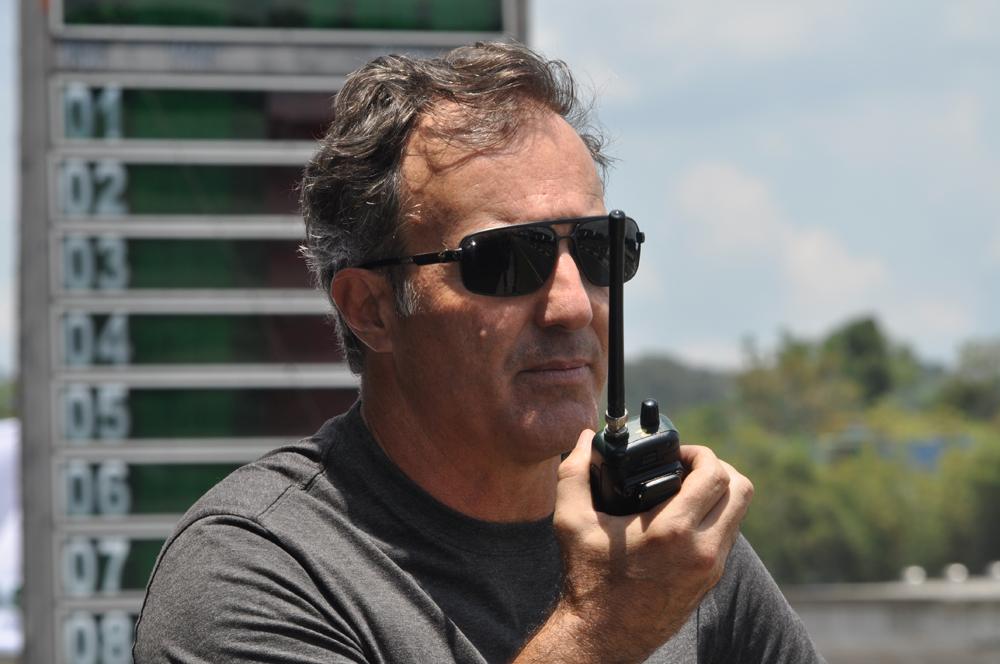 O profissional, um dos maiores nomes do kartismo brasileiro, atua como coach há 25 anos. Foto: Marcos Júnior Micheletti/Portal TT