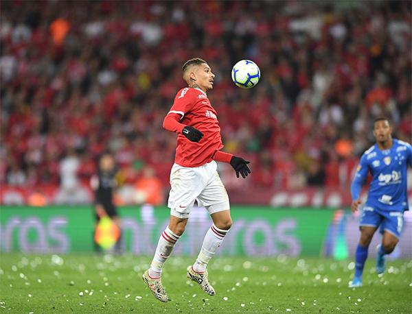 Os gols da partida foram anotados por Paolo Guerrero (2) e Edenílson. Foto: Divulgação/Internacional