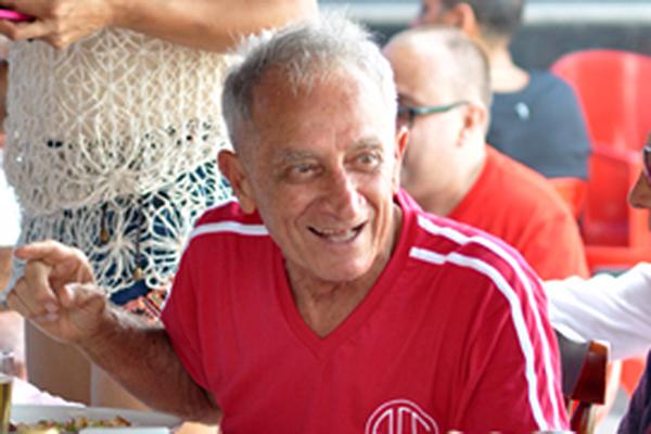 João Batista Ramos, o Joãozinho do Vasco, nasceu em Barra Mansa-RJ no dia 18 de outubro de 1939