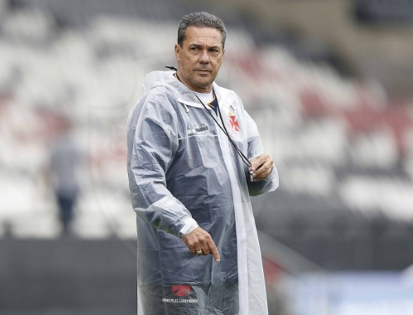 """Luxa deu palestra na """"Brasil Futebol Expo"""". Foto: Divulgação/Vasco"""