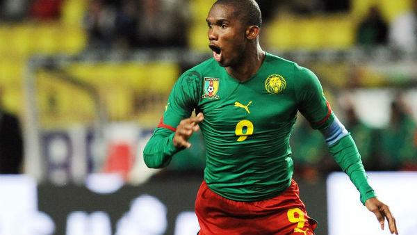 Camaronês brilhou com a camisa da seleção de seu país. Foto: Getty Images